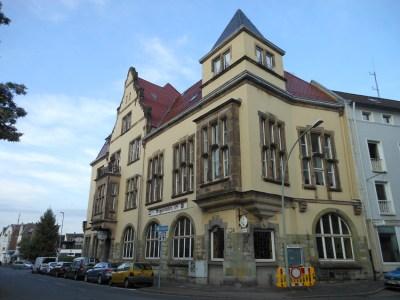 Im Kultur- und Freizeitzentrum (KFZ) an der Augustastraße 48 hat der Freundeskreis Historisches Homberg sein Museum zur Stadtgeschichte eingerichtet. Hier stellte die Zeitzeugenbörse ihr neues Buch vor. Foto: Petra Grünendahl.
