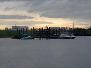 GS Recycling (l.) und Tan Quid (r.) im Rhein-Lippe-Hafen (auch: Ölhafen). Foto: Petra Grünendahl.