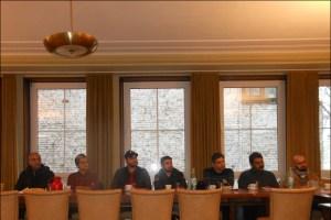 Werden vom Beratungsbüro betreut (v. l.): -Abdul Monem (Syrer), Hassan (Iraner), Nader (Syrer), Abdul Hakam (Syrer), Fadi (Syrer), Alirazi (Pakistani) unf Abdul Albaset (Syrer). Foto: Pertra Grünendahl.