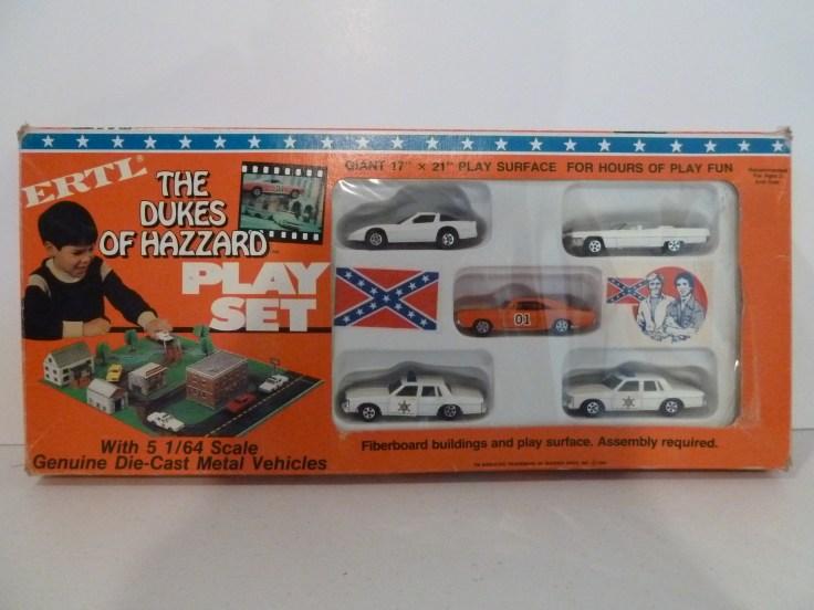 Ertl Playset - Corvette, General Lee, Caddy, 2 Patrol Cars