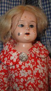 Denne dejlige dukke er umærket og tilhører Ketty Sørensen der også har © på billedet!