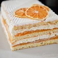Prajitura cu crema de iaurt si jeleu de portocale