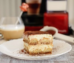 Tiramisu cu cafea preparata la Espressor Breville Prima Latte