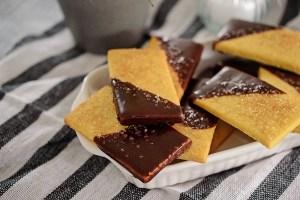 Biscuiti cu unt si ciocolata