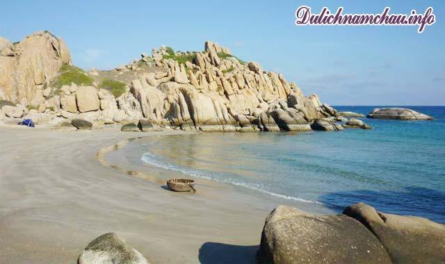 Cù Lao Câu có các bãi biển tuyệt đẹp đầy hoang sơ