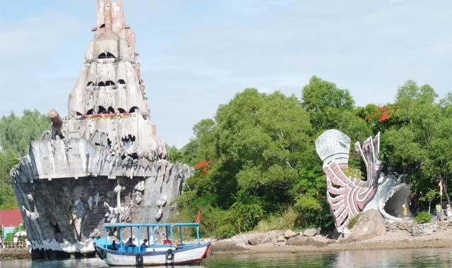 Thủy cung Trí Nguyên, Nha Trang hay còn gọi là hồ cá Trí Nguyên là điểm du lịch độc đáo ở Nha Trang