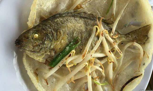 Bánh xèo cá kình Huế