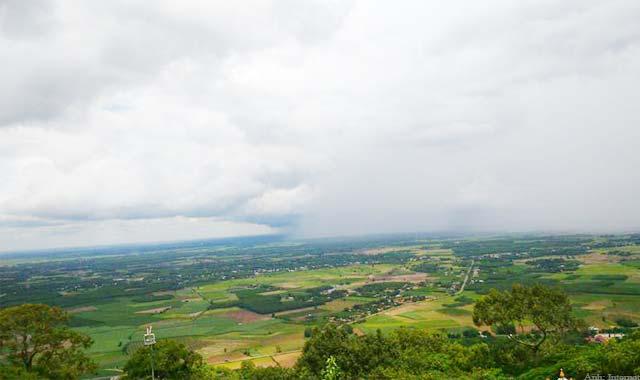 Phong cảnh Tây Ninh nhìn từ núi Bà Đen