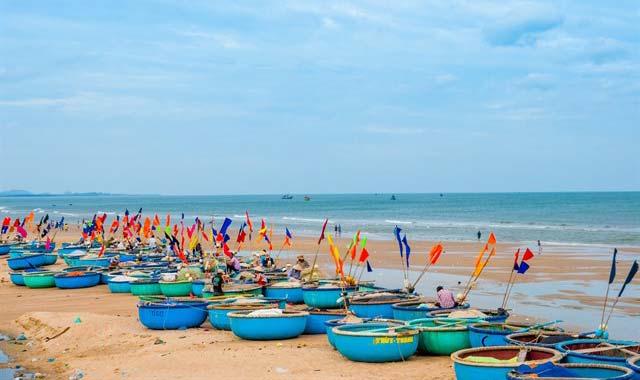 Làng đánh cá ven bãi biển Phước Hải Vũng Tàu