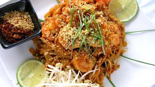 Đi du lịch Phuket ăn gì