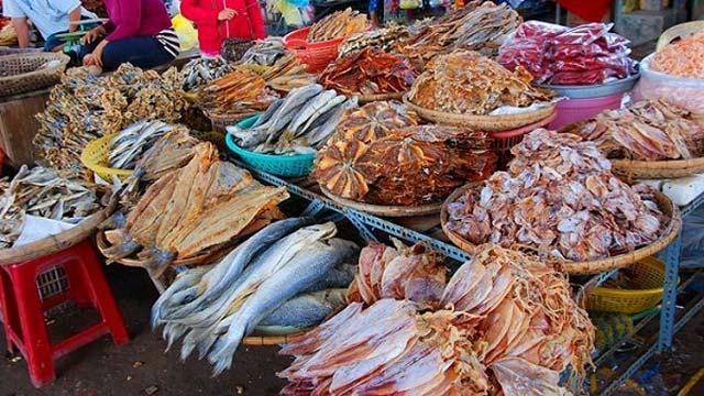 Hải sản khô ở chợ Đầm Nha Trang - Du hí đó đây