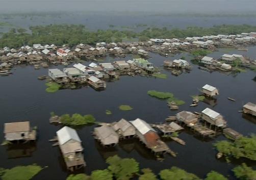 làng nổi trên biển hồ