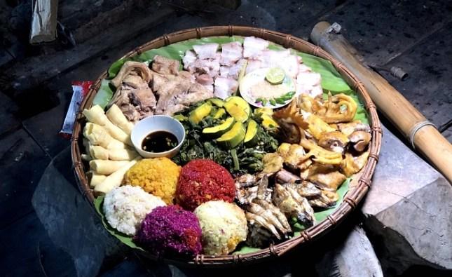 Cỗ lá, ẩm thực cổ truyền độc đáo của người Mường Tân Sơn Phú Thọ