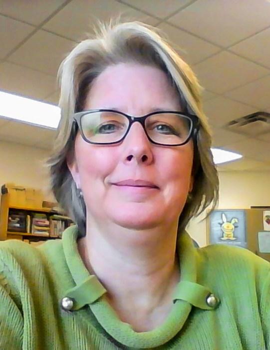 Duluth Folk School Instructor Karin Meyer