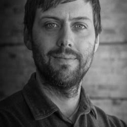 Duluth Folk School instructor Russell Crawford