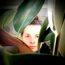 Duluth Folk School Instructor Jodi Larson
