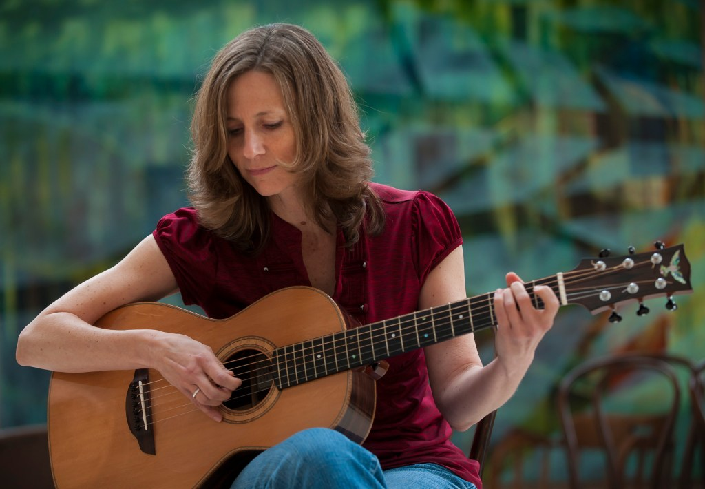 Tracy Grammer at the Duluth Folk School