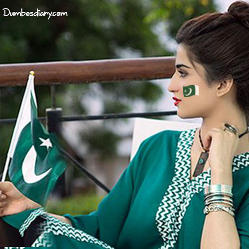 Jashn-e-Azadi-girl-with-pakistani-flag
