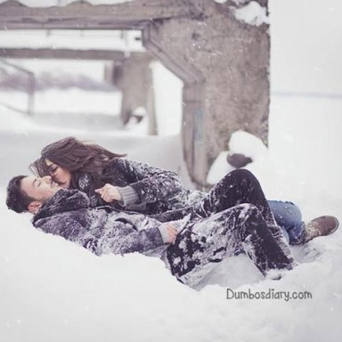 couple-in-snow