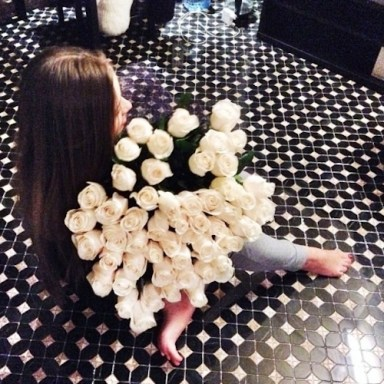 long-hair-girl-with-white-roses