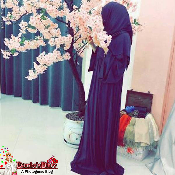 beautiful-hijabi-girl-with-flowers