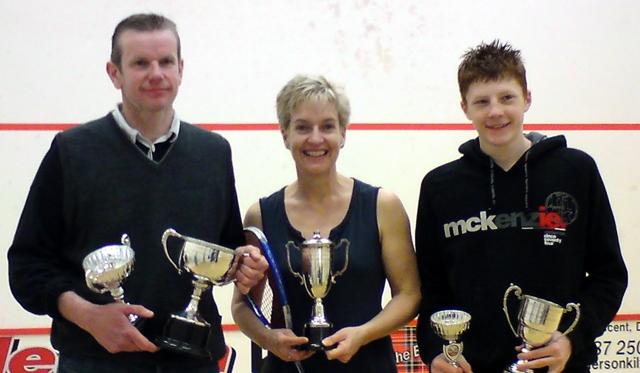 Les, Sue and Iain (Senior, Womens, Junior/Jim Thorburn Champions 2009)
