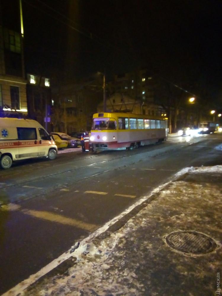 В Одессе неадекват избил женщину-водителя трамвая