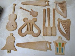 Henry Dagg: Musical biscuits
