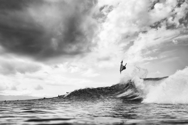 John John Florence, Backdoor, surfing photography, Surf, wave, Ocean, Duncan Macfarlane, Surf Photography, wave, Slob grab, Hawaii, Black and White, Oahu, Duncan Macfarlane Photography, Duncan,