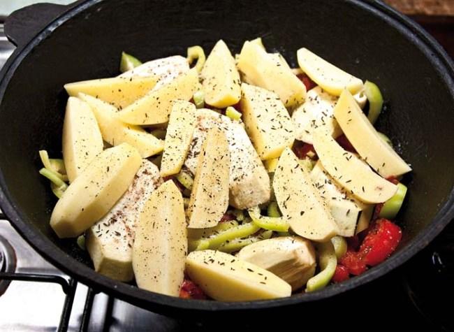 добавление картофеля в дамламу