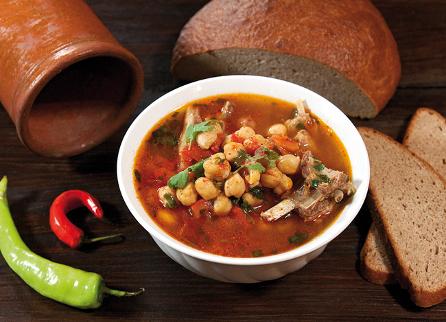 сервировка и подача нутового супа