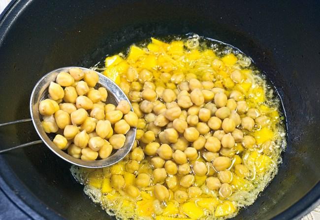 добавление отваренного нута при приготовлении рисовой каши