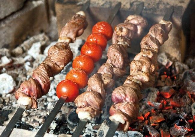 обжарка шашлыка-косички над углями
