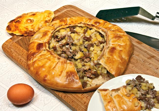 сервировка и подача татарского бэлеша (курника)