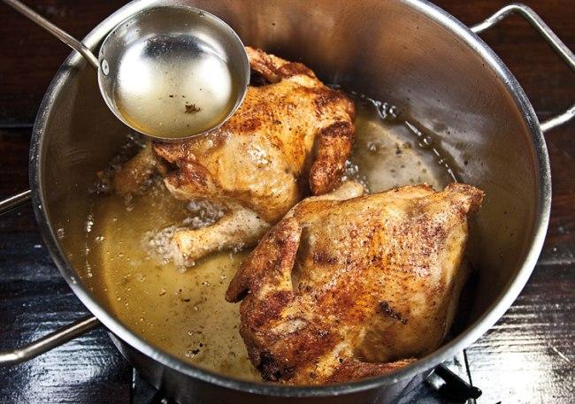 продолжение обжарки ароматной курицы во фритюре