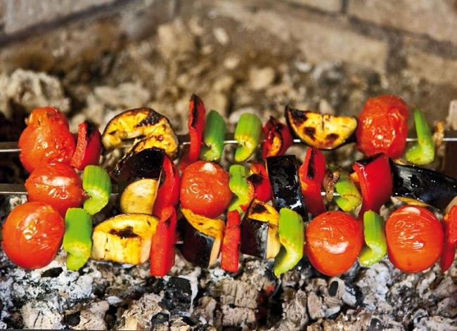 обжаривание микста овощей для особого шашлыка - титрама-кебаба