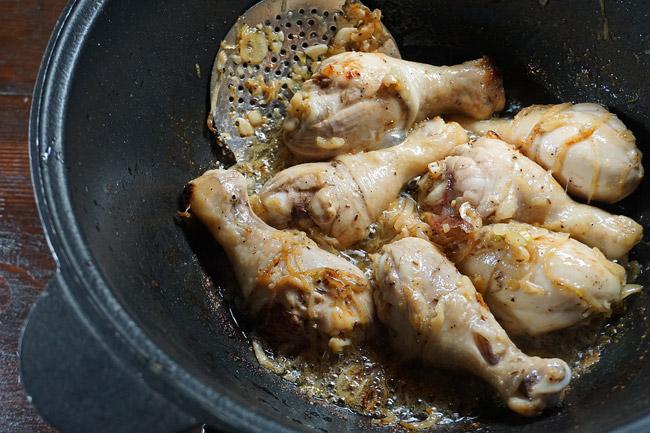 обжарка курицы для жаркого с курицей и нутом