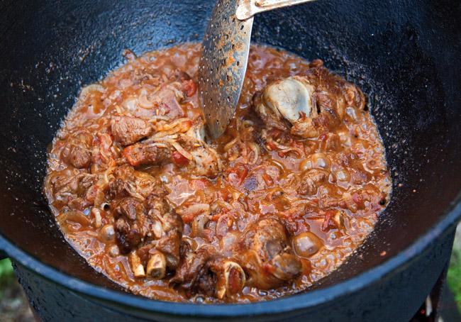 сформированный соус для мампара - дунганского супа с клецками