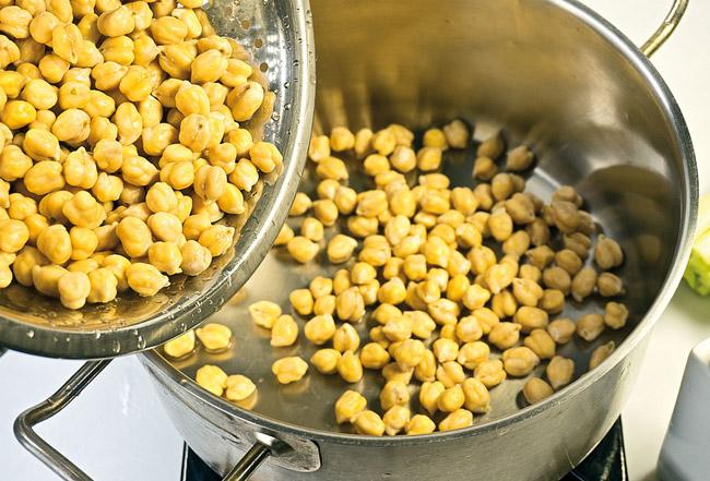 подготовка нута для горохового (нутового) супа-пюре с помидорами