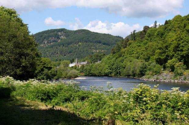 River Tay, The Wee Nook Birnam & Dunkeld Holiday Cottage Accommodation