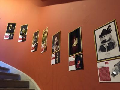 Le mur de portraits des suisses ou personnalités célèbres dans l'Histoire Suisse...version bonhomme LEGO ®
