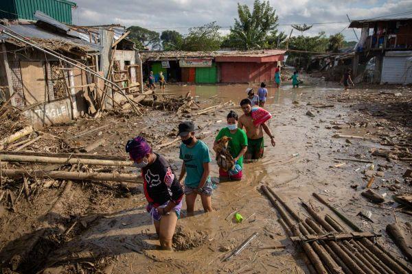 На Канарах и Филиппинах бушует стихия, много жертв