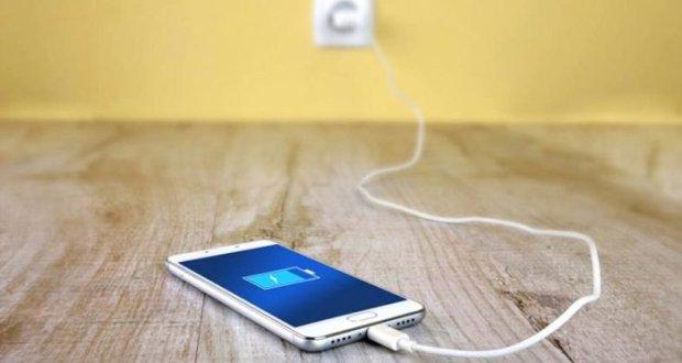 آپ کےفون کی بیٹری جلدی ختم ہوتی ہے؟ تو یہ طریقہ اختیار کریں