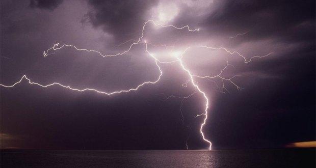 ٹھٹھہ: کشتی پر بجلی گر گئی، 3 ماہی گیر جاں بحق