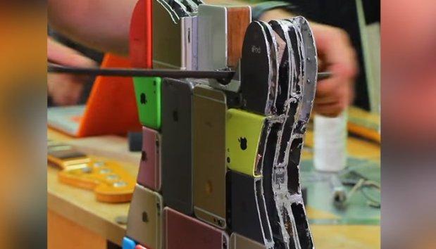 100 سے زائد آئی فونز کو جوڑ کر بنایا جانے والا گٹار