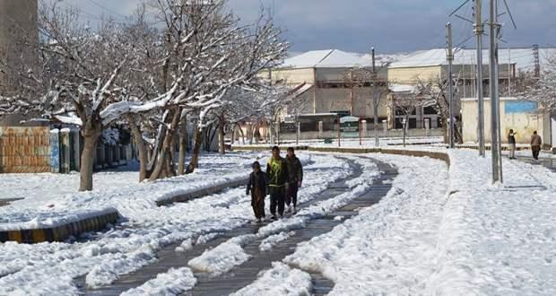 ملک بھر میں شدید بارشوں، برفباری کے باعث اموات کی تعداد 70 ہوگئی