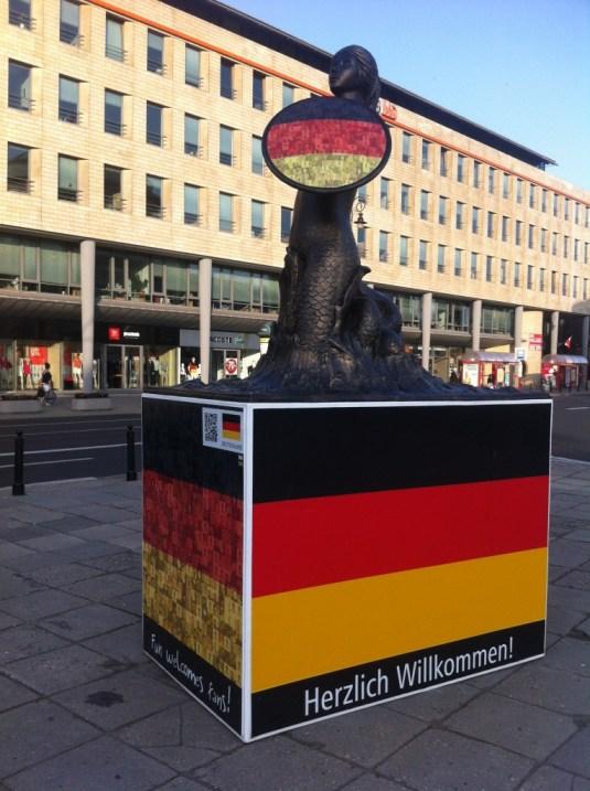 Niemcy Plac Trzech Krzyży Warszawa Narodowe Warszawskie Syrenki Euro2012