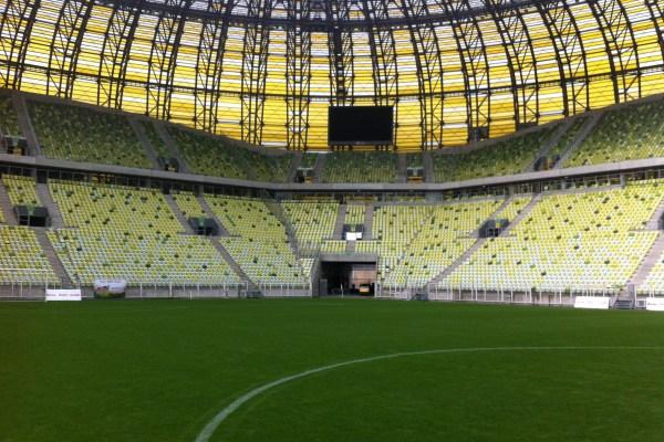 Zwiedzanie stadionu piłkarskiego Euro2012 PGE Arena z przewodnikiem. To nowa atrakcja turystyczna Gdańska i Polski. Godziny otwarcia i ceny biletów wstępu
