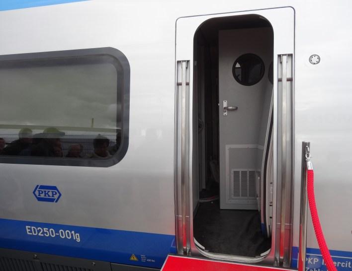 Wejście do kabiny maszynisty pociągu Pendolino