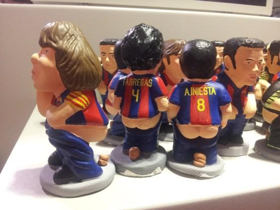 Dziwne maskotki w FCBoti gasklepie FC Barcelony na stadionie Camp Nou